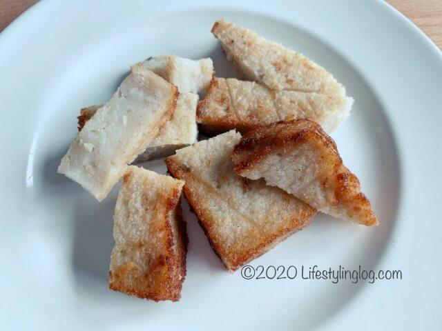Nyonya Heritage(ニョニャヘリテージ)の大根餅/炸萝卜糕(Crispy Fried Radish/Carrot Cake)