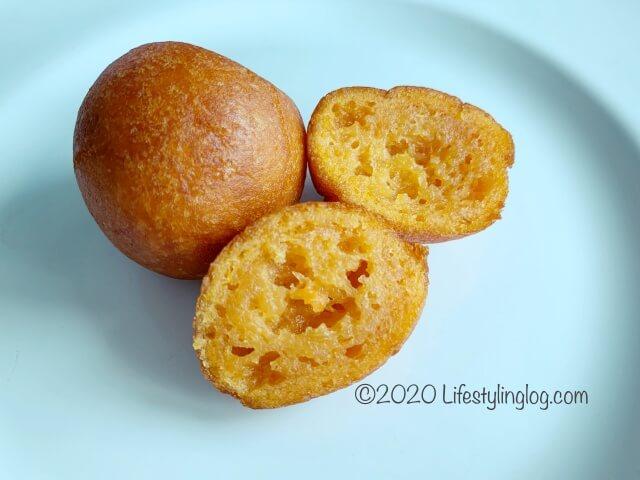 Nyonya Heritage(ニョニャヘリテージ)の炸番薯球(Fried Potato Balls)。