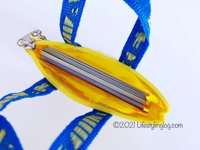 カード類を収納したIKEA(イケア)KNÖLIG(クノーリグ)のバッグ