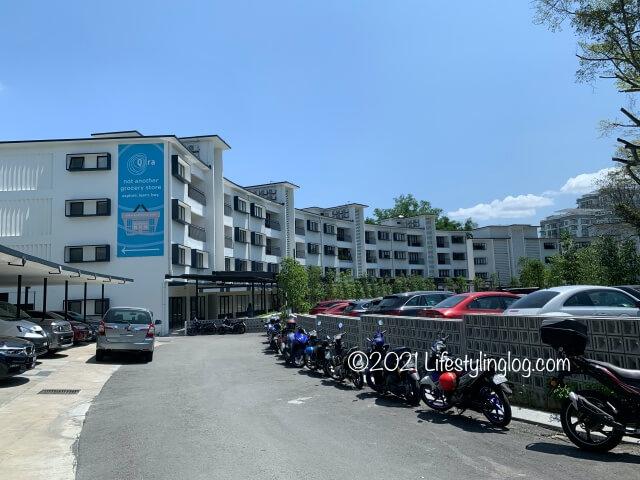 The Stories of Taman Tunkuの駐車スペース