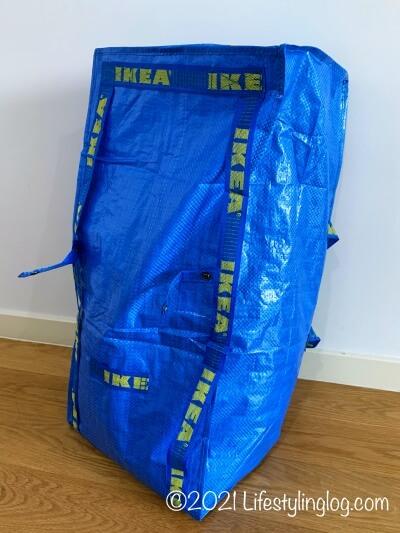 バッグパックにできる76LサイズのIKEA FRAKTA(フラクタ)バッグ