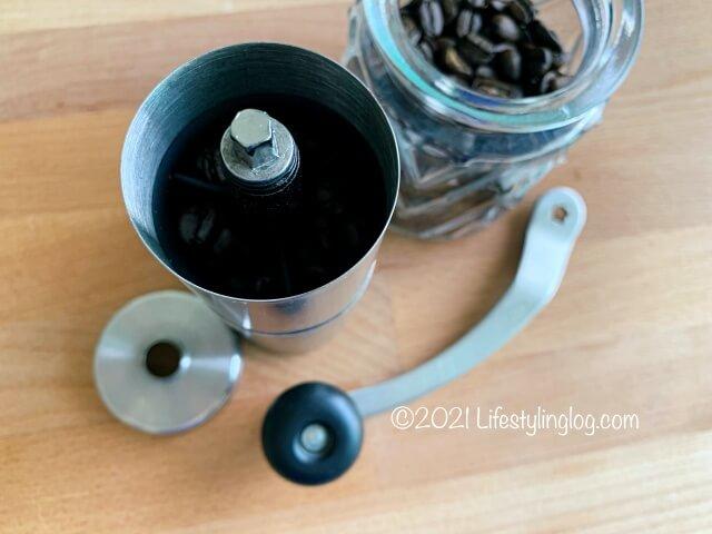 IKEAのコーヒー豆とPorlex(ポーレックス )のコーヒーミル