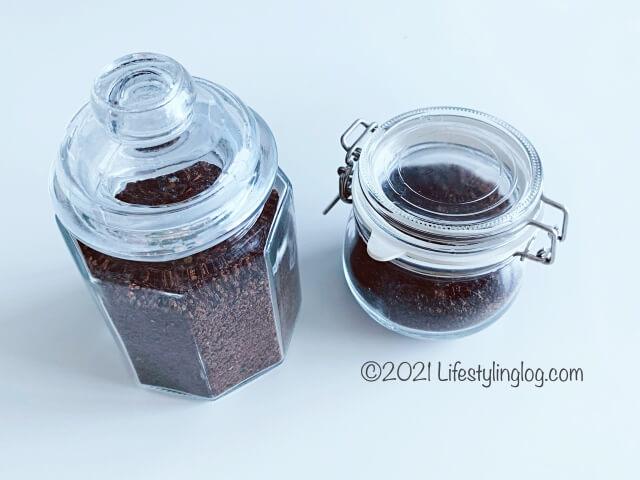 茶葉を入れた容器