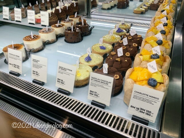 Croisserie Artisan Bakery @ Damansara Heightsのケーキ