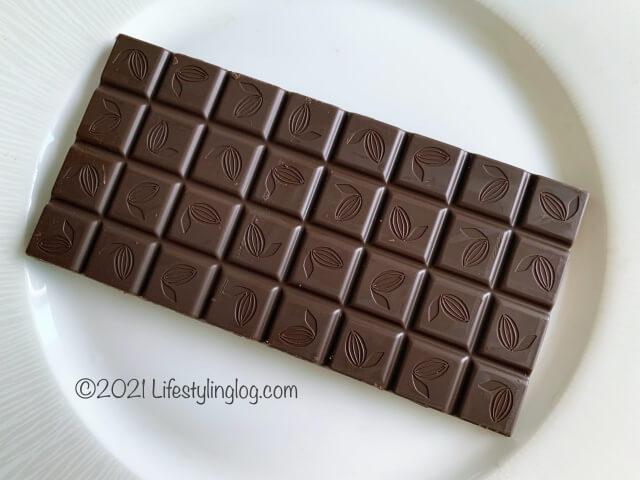 開封したIKEA(イケア)CHOKLAD MÖRK(ショクラード・ムルク)のダークチョコレート