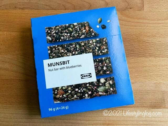 IKEA(イケア)MUNSBIT(ムンスビート)のブルーベリーナッツバーのパッケージ
