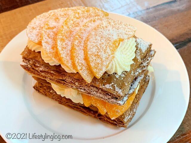 マレーシアの人気カフェベーカリーKenny Hills BakersのPeach Strudel(ピーチシュトゥルーデル)