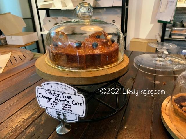 Kenny Hills BakersのOrange Polenta Cake