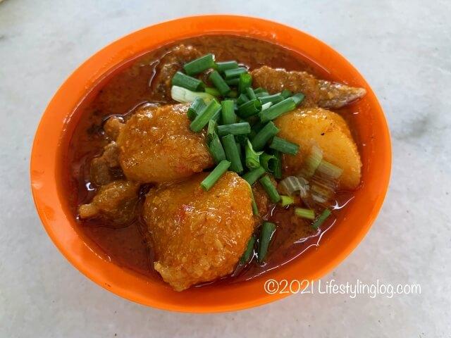 強記補品(Keong Kee Herbal Soup)のポークカレー