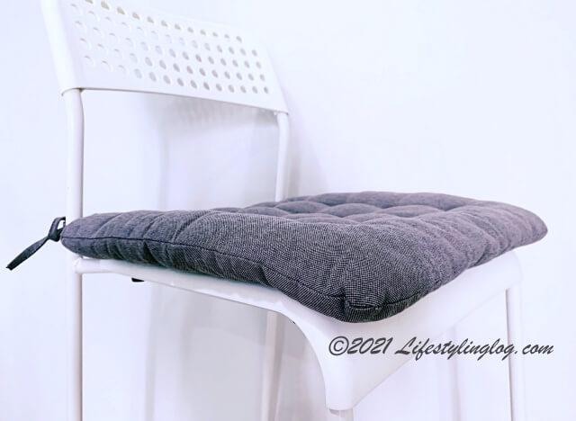 椅子にセットしたイケアVIPPÄRT(ヴィッペールト)のチェアクッション