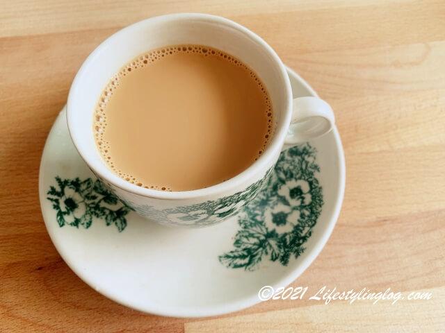 マレーシアのTeh C(エバミルク入りのミルクティー)