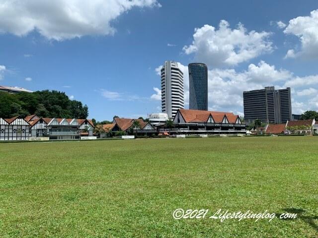 Dataran Merdeka(ムルデカ広場)の芝生