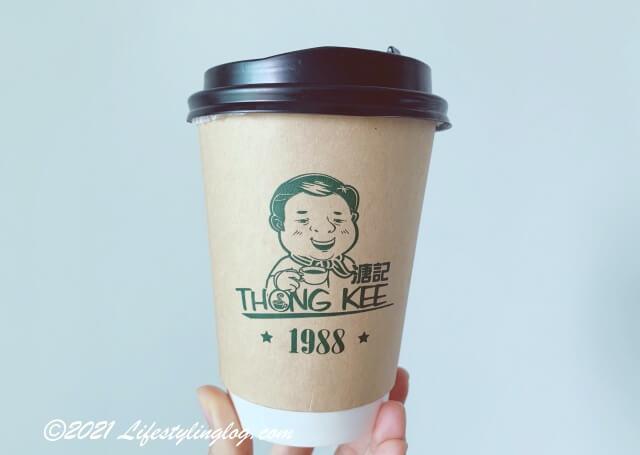 溏記海南茶室(Thong Kee Cafe)のドリンク持ち帰り用の容器