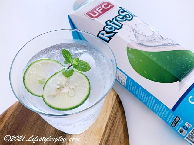 市販のココナッツウォーター(UFC Refresh Coconut Water)
