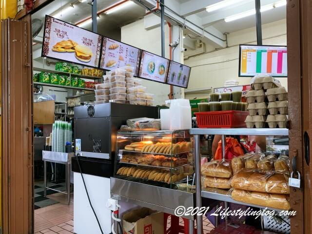 溏記海南茶室(Thong Kee Cafe)で販売されているカヤパフやカリーパフ